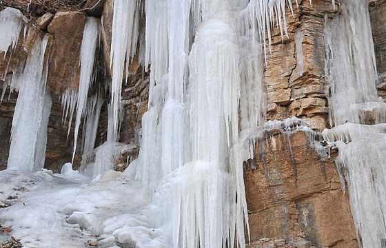西安谭峪口的冰瀑